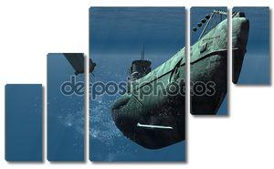 Подводная лодка под водой