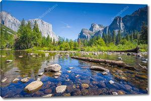 Классический вид живописной долины Йосемит