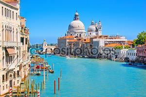 Знаменитый канал, Италия
