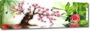 Старое дерево с  большой розой, отражение в воде