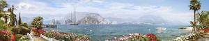 Панорама с набережной и цветами