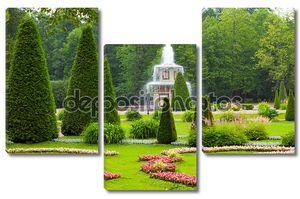 Петергоф. Римский фонтан Нижний парк в дождь