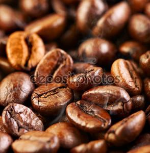 Ароматный жареный кофе в зернах