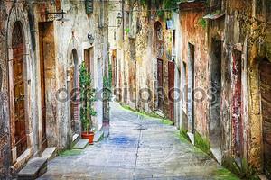характерные старые улицы средневековых городов Италии
