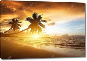 Закат на пляже Карибских островов