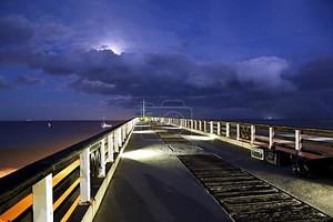 пляж Пирс ночью