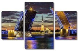 Санкт-Петербург разведенный Дворцовый мост