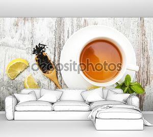 Чашка чая с лимоном и мятой