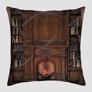 Старая библиотека с камином