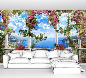 Белый балкон на Средиземном море
