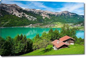 Панорама озера Бриенц