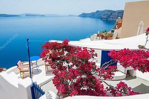 Белая архитектура на острове Санторини, Греция