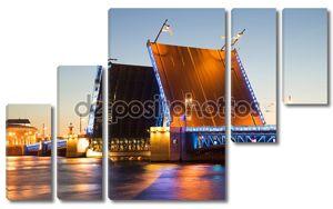 Дворцовый мост в белые ночи. Санкт-Петербург