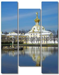 Западное крыло большого дворца в Петергофе