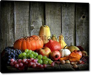 Фрукты и овощи с тыквы в осенний урожай Натюрморт