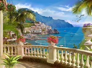Терраса с видом на город и море