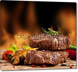 Говяжий стейк на огне