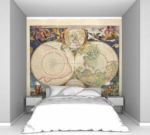 Старая карта с яркими иллюстрациями