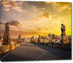 Карлов мост и Пражский Град в первой половине дня