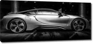 Берлин - 28 ноября 2014: демонстрационный зал. bmw i8, сначала введенная как видение понятия BMW эффективная динамика, является гибридным спортивным автомобилем программного расширения, разработанным BMW. черный и белый.
