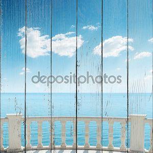 Вид на море и небо с балкона