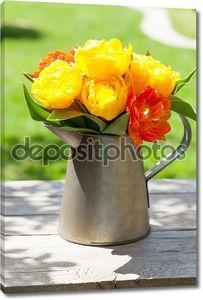 Красочные тюльпаны букет в лейку