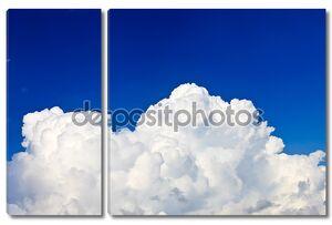 Синее небо с  кучевыми облаками