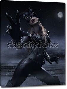 Красивая молодая женщина в черном костюме
