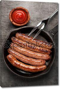 колбаски гриль на сковороде
