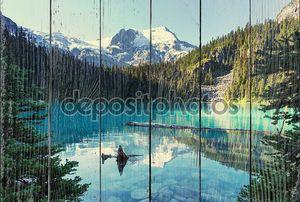 Joffre озера в Канаде