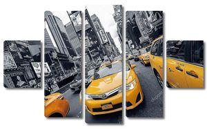 Желтые такси на площади Таймс-сквер