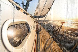 Яхта парусный к закат.