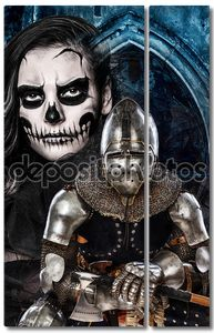 Женщина и железа рыцарь Темный skulled лицо