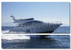Италия, Неаполь залива, роскошные яхты