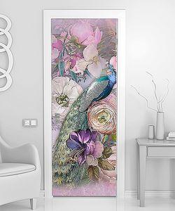 Яркий павлин в розовых цветах