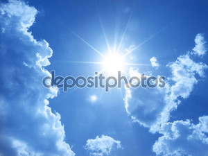 Пасмурное небо и солнце