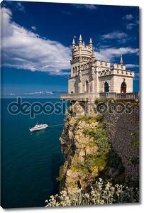 Сказочный замок над морем