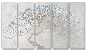 Сакура с голубыми цветами