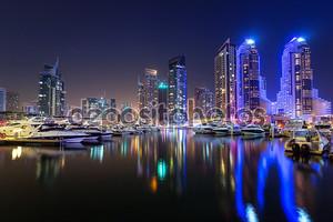 небоскребы Дубай Марина в ночное время, ОАЭ