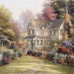 Прекрасный старинный дом с садом
