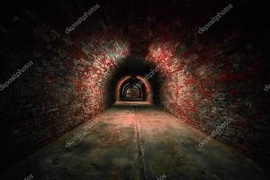 Длинные подземные кирпич туннель угол выстрела