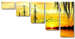 Пейзаж корабля на фоне заката