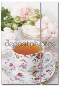 Утренний чай с конфетами