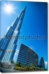 Бурдж-Халифа. Вид из центра города Дубай