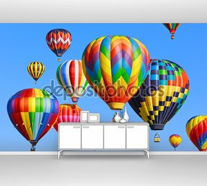 Воздушные шары в голубом небе