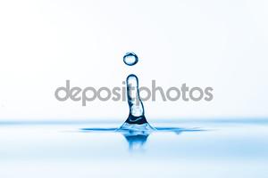 Брызги в воде