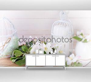 Цветки яблони с декоративной свечей