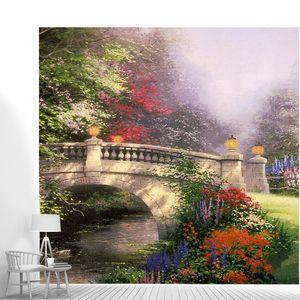 Мост в прекрасном цветочном парке