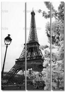 Эйфелева башня весной