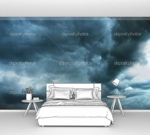 ночное небо с тяжелыми облаками